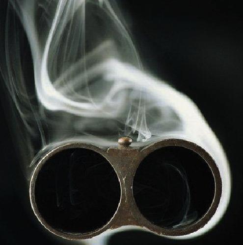 http://www.ragusanews.com//immagini_articoli/25-01-2015/tentano-di-ucciderlo-gli-sparano-in-un-occhio-500.jpg