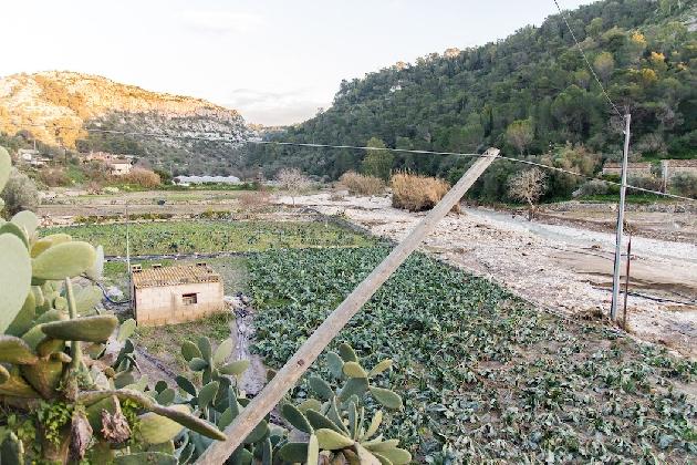 http://www.ragusanews.com//immagini_articoli/25-01-2017/fiumara-dopo-alluvione-video-420.jpg