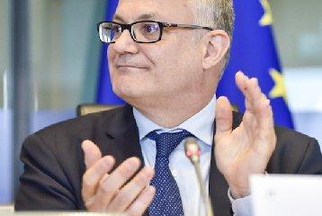 https://www.ragusanews.com//immagini_articoli/25-01-2020/ministro-gualtieri-vuole-salvare-banca-di-bari-grazie-a-bapr-ragusa-240.jpg