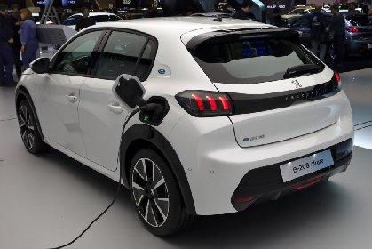 https://www.ragusanews.com//immagini_articoli/25-01-2021/sconto-40-per-chi-compra-auto-elettrica-e-ha-reddito-sotto-i-30-mila-euro-280.jpg