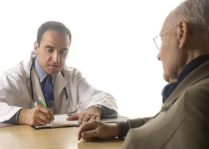 https://www.ragusanews.com//immagini_articoli/25-02-2014/medico-di-base-convince-anziano-paziente-a-farsi-firmare-la-procura-denunciato-500.jpg