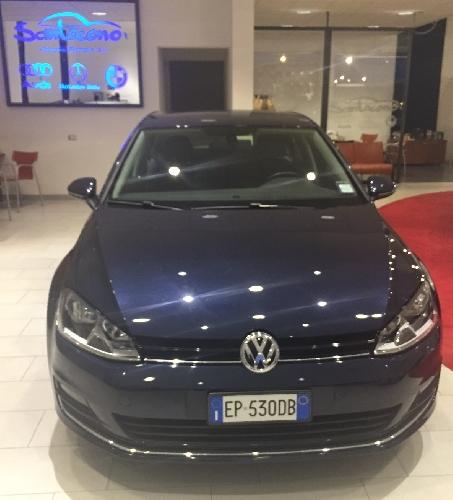 http://www.ragusanews.com//immagini_articoli/25-02-2015/una-golf-7-turbo-diesel-da-santocono-auto-500.jpg