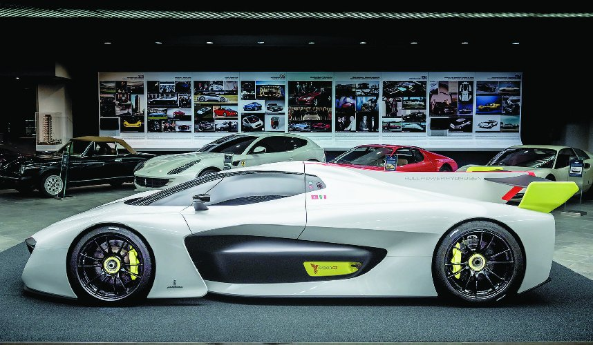https://www.ragusanews.com//immagini_articoli/25-02-2019/chiamera-battista-prima-supercar-marchio-pininfarina-500.jpg