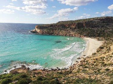 https://www.ragusanews.com//immagini_articoli/25-02-2021/1614245902-top10-mondiale-delle-spiagge-una-e-siciliana-le-classifiche-foto-video-5-280.jpg
