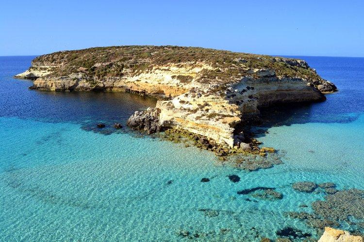 https://www.ragusanews.com//immagini_articoli/25-02-2021/1614245903-top10-mondiale-delle-spiagge-una-e-siciliana-le-classifiche-foto-video-8-500.jpg