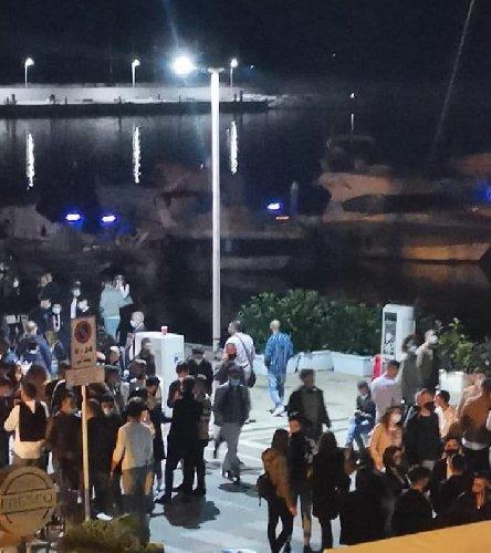 https://www.ragusanews.com//immagini_articoli/25-02-2021/gli-assembramenti-a-marina-di-ragusa-parla-il-sindaco-cassi-500.jpg