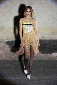 https://www.ragusanews.com//immagini_articoli/25-02-2021/milano-fashion-week-280.jpg