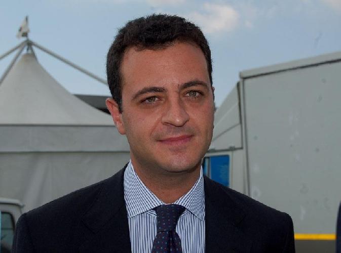 http://www.ragusanews.com//immagini_articoli/25-03-2014/lon-minardo-liberi-consorzi-no-alle-divisioni-500.jpg