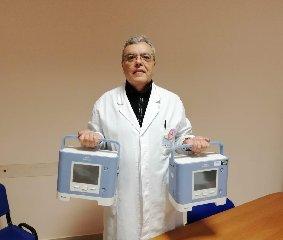 https://www.ragusanews.com//immagini_articoli/25-03-2020/giovanni-boroli-e-la-moglie-donano-due-ventilatori-polmonari-240.jpg