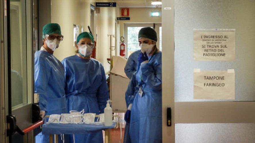 Covid Francia, numero pazienti in terapia intensiva ai massimi da novembre