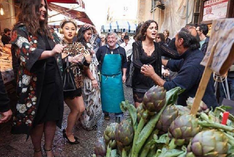 https://www.ragusanews.com//immagini_articoli/25-04-2017/dolce-gabbana-organizzano-giorni-feste-palermo-500.jpg