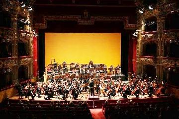 http://www.ragusanews.com//immagini_articoli/25-04-2017/orchestra-bellini-prima-volta-modica-240.jpg