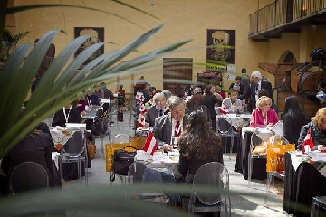 http://www.ragusanews.com//immagini_articoli/25-04-2017/turismo-enogastronomico-italiano-borsa-240.jpg