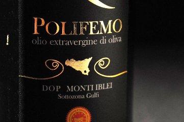 https://www.ragusanews.com//immagini_articoli/25-04-2018/olio-polifemo-viragi-miglior-mocultivar-gambero-rosso-240.jpg