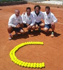 http://www.ragusanews.com//immagini_articoli/25-05-2015/il-tennis-club-ispica-e-in-serie-c-240.jpg