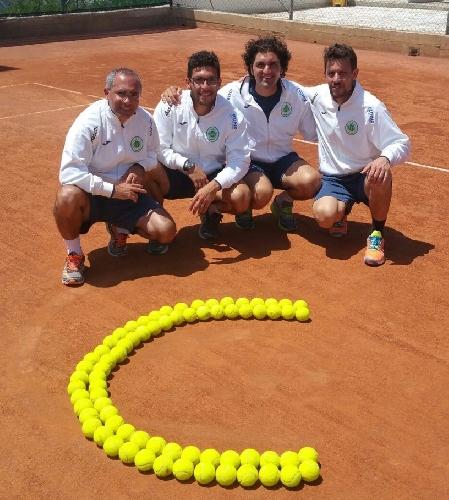 http://www.ragusanews.com//immagini_articoli/25-05-2015/il-tennis-club-ispica-e-in-serie-c-500.jpg
