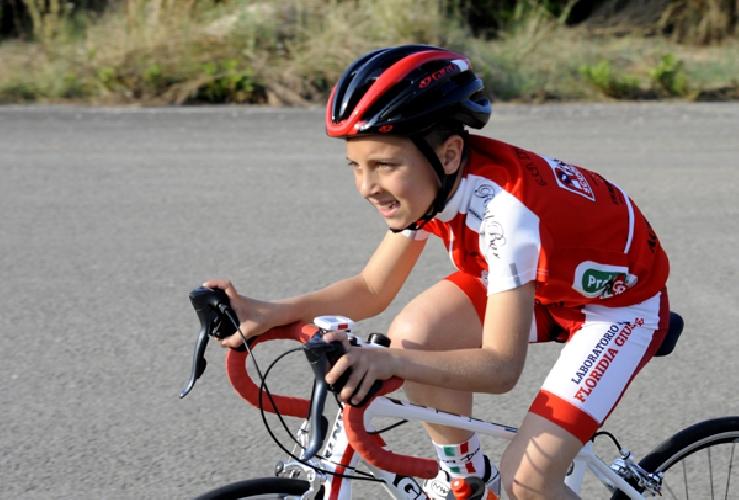 https://www.ragusanews.com//immagini_articoli/25-05-2017/note-ciclismo-scicli-matteo-verdirame-500.jpg