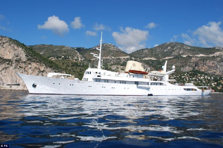 https://www.ragusanews.com//immagini_articoli/25-05-2018/lipari-cristina-mega-yacht-onassis-500.jpg