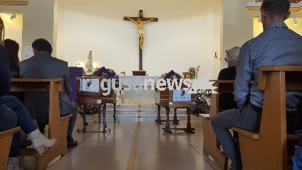 http://www.ragusanews.com//immagini_articoli/25-05-2018/modica-celebrati-funerali-saro-gennuso-olga-diduk-240.jpg