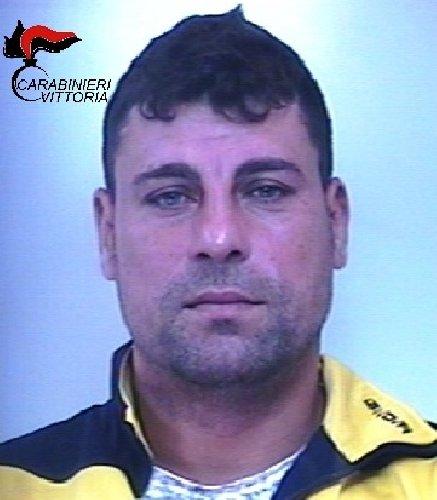 https://www.ragusanews.com//immagini_articoli/25-05-2018/rapinarono-connazionale-campagna-arrestati-rumeni-acate-500.jpg