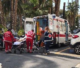 https://www.ragusanews.com//immagini_articoli/25-05-2018/sparatoria-pozzallo-ferito-uomo-addome-240.jpg