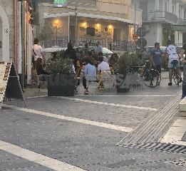 https://www.ragusanews.com//immagini_articoli/25-05-2020/movida-a-marina-di-ragusa-interviene-la-prefettura-240.jpg