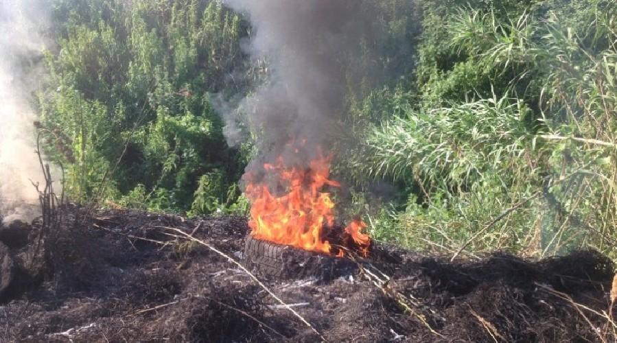 https://www.ragusanews.com//immagini_articoli/25-05-2020/vasto-incendio-a-quartarella-500.jpg