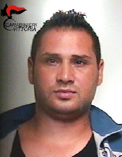 http://www.ragusanews.com//immagini_articoli/25-06-2016/furti-nelle-campagne-arrestato-daniel-grosu-500.jpg