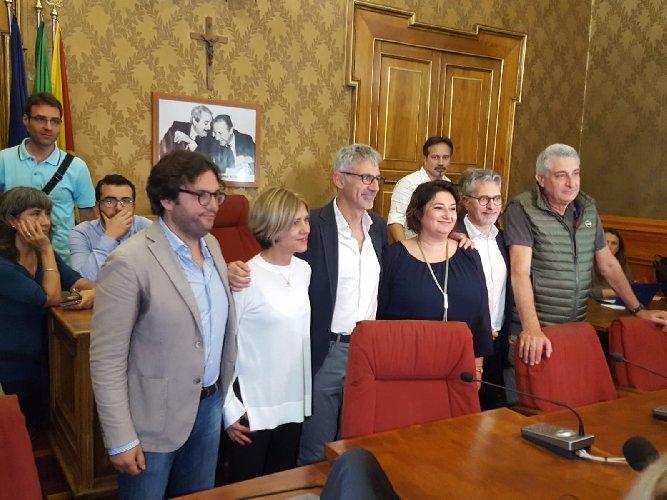 https://www.ragusanews.com//immagini_articoli/25-06-2018/peppe-cassi-sindaco-ragusa-traguardo-vita-500.jpg