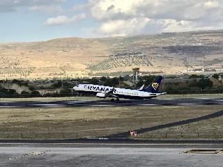 https://www.ragusanews.com//immagini_articoli/25-06-2020/ryanair-riprende-i-collegamenti-da-e-per-l-aeroporto-di-comiso-240.jpg