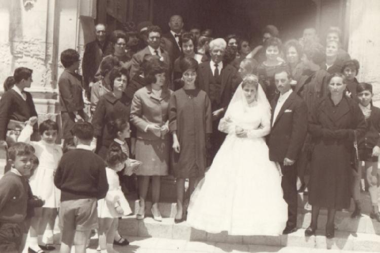 https://www.ragusanews.com//immagini_articoli/25-07-2014/il-matrimonio-siciliano-nella-tradizione-i-biscotti-di-mandorla-500.jpg