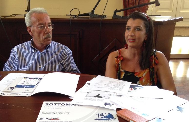 http://www.ragusanews.com//immagini_articoli/25-07-2014/il-trofeo-del-mare-il-27-luglio-a-pozzallo-500.jpg