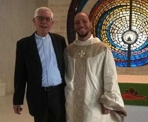 http://www.ragusanews.com//immagini_articoli/25-07-2015/nuovo-sacerdote-a-comiso-500.jpg