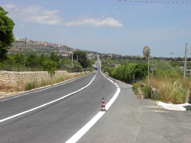 http://www.ragusanews.com//immagini_articoli/25-07-2017/asfalta-pozzallomarina-marza-500.jpg