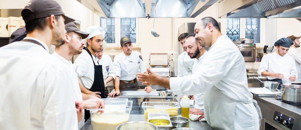 https://www.ragusanews.com//immagini_articoli/25-07-2019/a-catania-la-laurea-in-scienze-e-tecnologie-per-la-ristorazione-500.jpg