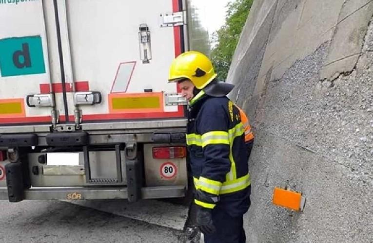 https://www.ragusanews.com//immagini_articoli/25-07-2020/sicilia-pd-contesta-bando-cas-su-servizio-antincendio-500.jpg