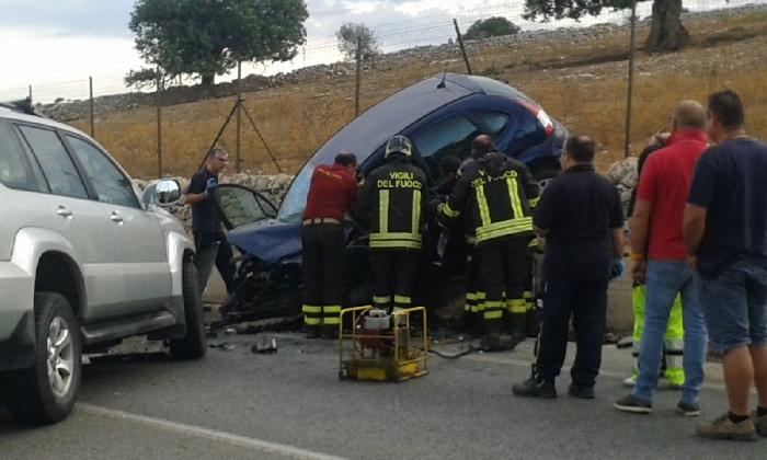 http://www.ragusanews.com//immagini_articoli/25-08-2016/incidente-a-santa-croce-camerina-muore-paolo-di-cara-420.jpg