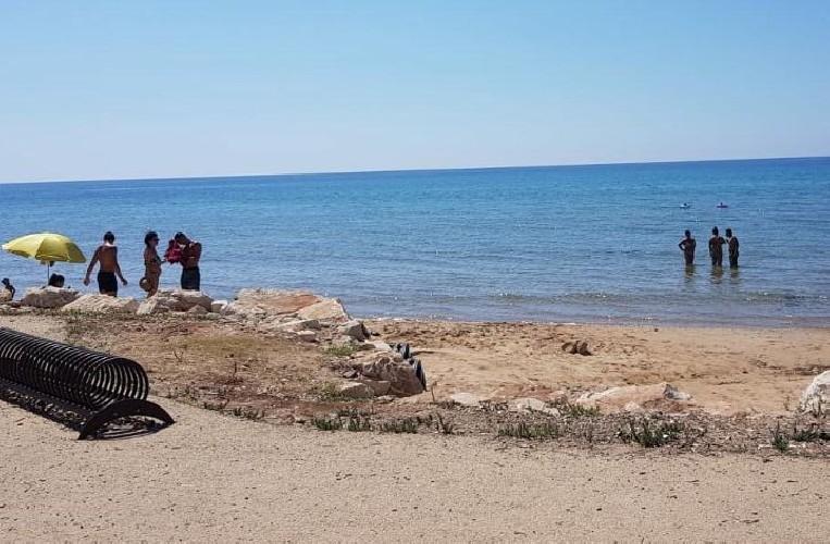 https://www.ragusanews.com//immagini_articoli/25-08-2020/revocata-l-ordinanza-di-divieto-di-balneazione-della-spiaggia-degli-americani-500.jpg