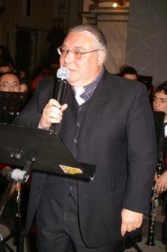 https://www.ragusanews.com//immagini_articoli/25-09-2011/classe-pollaio-di-modica-il-grande-assente-il-preside-sergio-carrubba-500.jpg