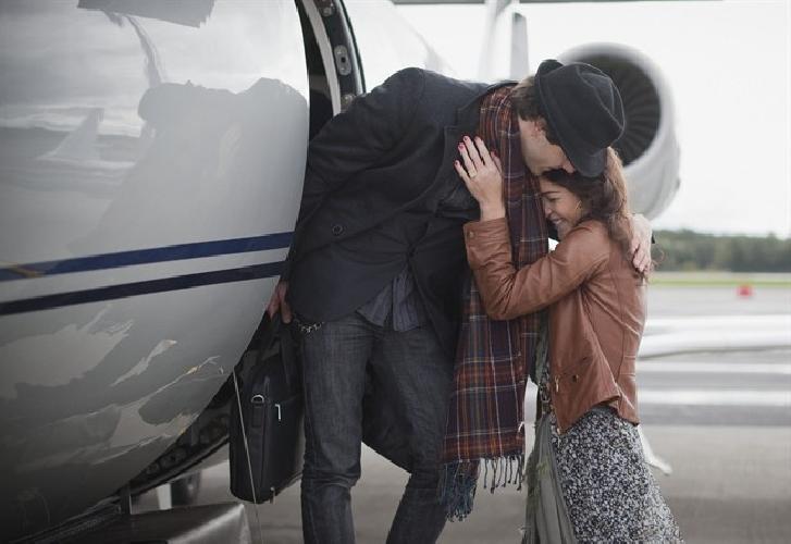 https://www.ragusanews.com//immagini_articoli/25-09-2014/mi-sono-innamorata-su-un-volo-per-comiso-dove-sei-500.jpg