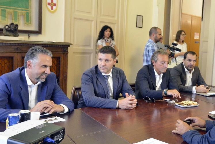 https://www.ragusanews.com//immagini_articoli/25-09-2015/l-asse-modica-vittoria-batte-ragusa-nuova-geografia-della-sanita-500.jpg