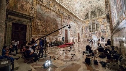 https://www.ragusanews.com//immagini_articoli/25-09-2018/cappella-sistina-protagonista-prima-puntata-ulisse-240.jpg
