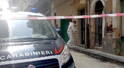 https://www.ragusanews.com//immagini_articoli/25-09-2020/cadavere-trovato-in-una-body-bag-arrestato-un-uomo-240.jpg