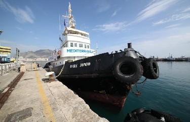 https://www.ragusanews.com//immagini_articoli/25-09-2020/mediterranea-bloccata-a-pozzallo-ci-impediscono-di-ripartire-240.jpg