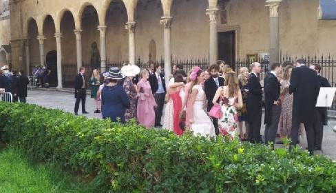 https://www.ragusanews.com//immagini_articoli/25-09-2021/1632574300-le-nozze-reali-a-monreale-fra-il-principe-di-borbone-e-lady-charlotte-5-280.jpg