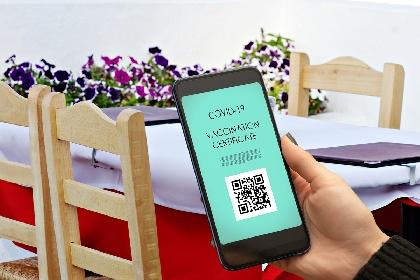 https://www.ragusanews.com//immagini_articoli/25-09-2021/8-clienti-senza-green-pass-in-un-ristorante-di-vittoria-multato-280.jpg