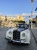 https://www.ragusanews.com//immagini_articoli/25-09-2021/che-bella-la-rolls-royce-silver-cloud-a-noto-100.jpg