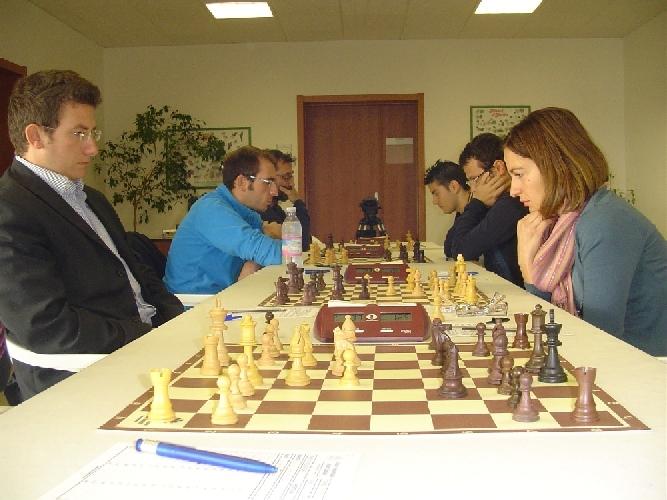 https://www.ragusanews.com//immagini_articoli/25-10-2011/ragusa-scacchi-palermo-batte-grammichele-500.jpg
