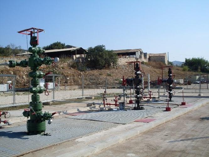 http://www.ragusanews.com//immagini_articoli/25-10-2017/petrolio-ragusa-cassa-integrazione-500.jpg