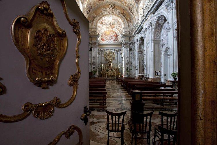 https://www.ragusanews.com//immagini_articoli/25-10-2018/spettacolo-catania-apre-cantoria-benedettine-500.jpg